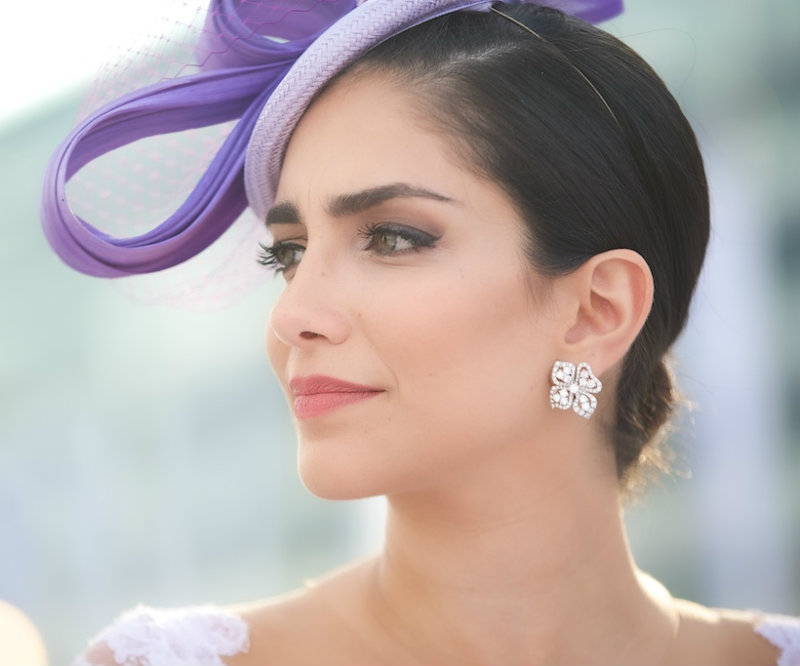 The Secrets of Wearing a Fascinator at Weddings 329cc9b2f39