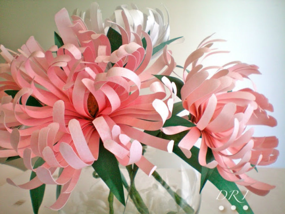 Easy crafting paper flowers to dress up your wedding day for Easy handmade flowers