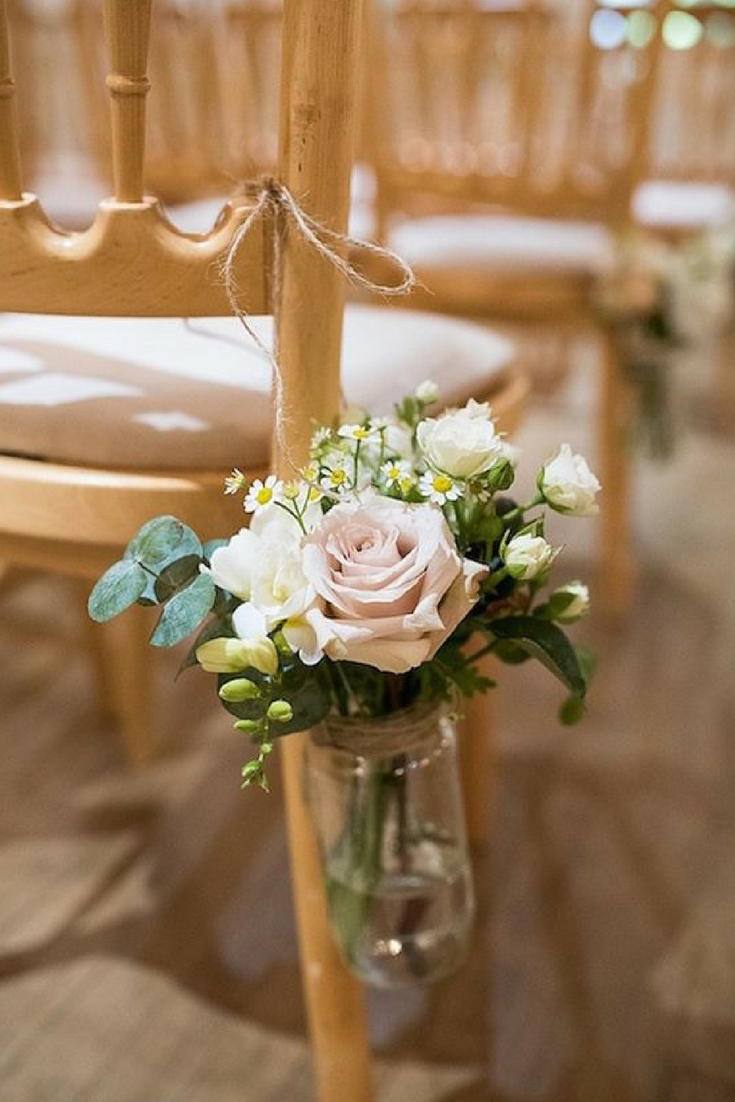 5 easy diy ideas to decorate your wedding pews for Cheap ways to decorate wedding tables