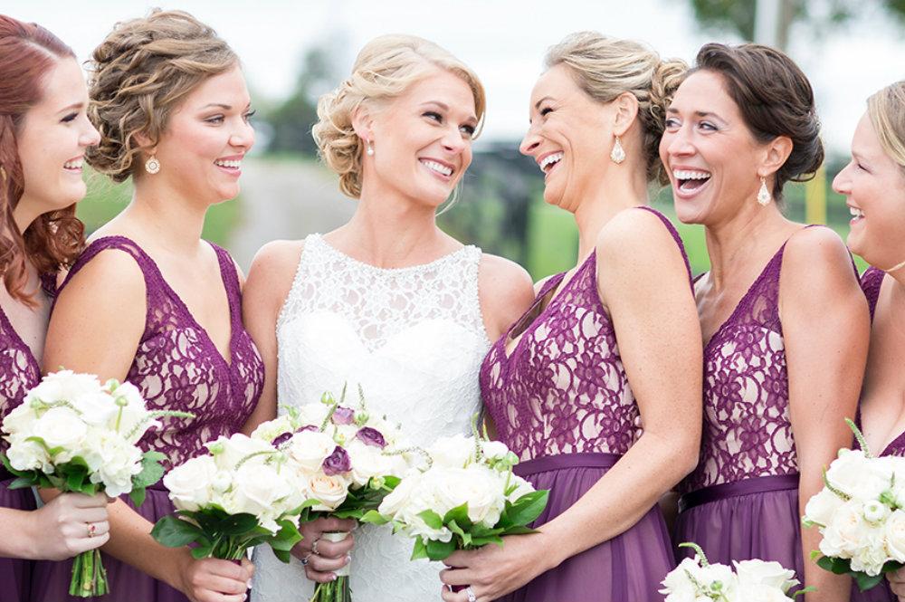 les robes violettes col en V pour cortège mariage