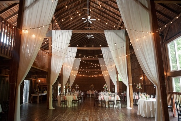 Why we love barn weddings barn wedding decorated junglespirit