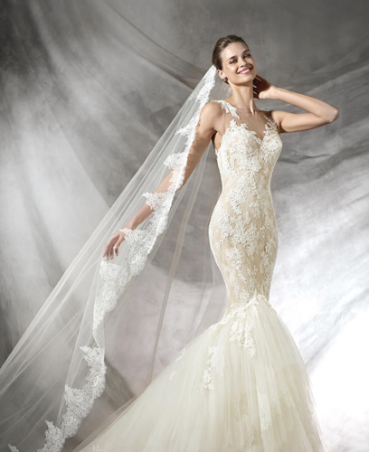 Illusion neckline by Pronovias