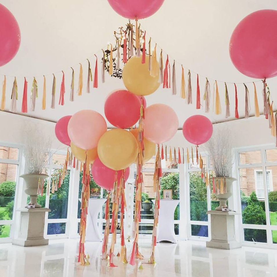 Giant wedding balloons for Balloon decoration for weddings