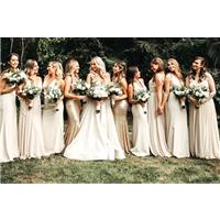 Read this and you'll be mixing and matching your bridesmaid dresses BEAUTIFULLY