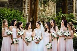 How to Choose Bridesmaid Dresses That Complement the Bride
